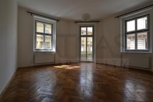 Prostorný nově rekonstruovaný byt 3+kk (120 m2), Praha 5 - Smíchov, ul . Elišky Peškové