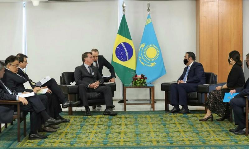 Velvyslanec Kazachstánu předal své pověřovací listiny brazilskému prezidentovi