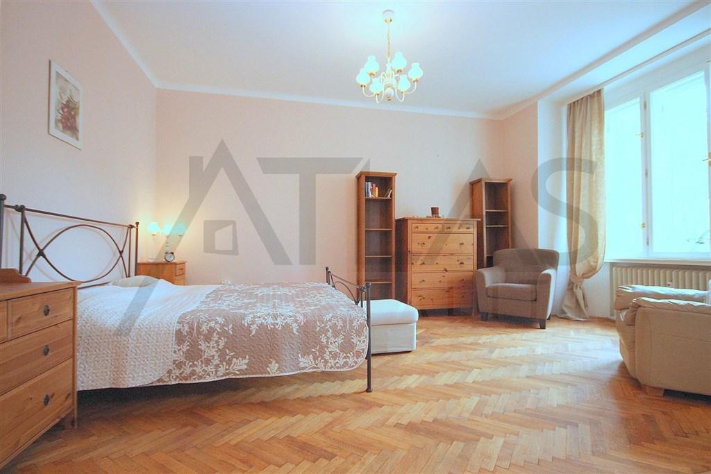 Pronájem bytu 1+kk Praha 2 Vinohrady, Lužická