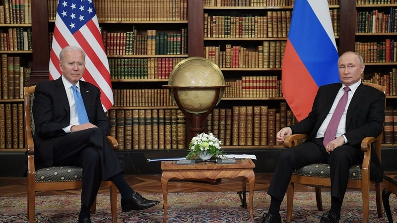 Putin odmítl roli amerických sil ve střední Asii na summitu s Bidenem